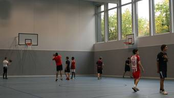 Die neue Sporthalle Kantonsschule Baden. pkr