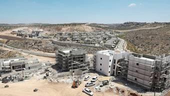 Die israelische Siedlung Elkana im palästinensischen Westjordanland. Rund 700'000 Israeli leben in den besetzten Gebieten.