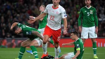 Fabian Schär freut sich über das 1:0