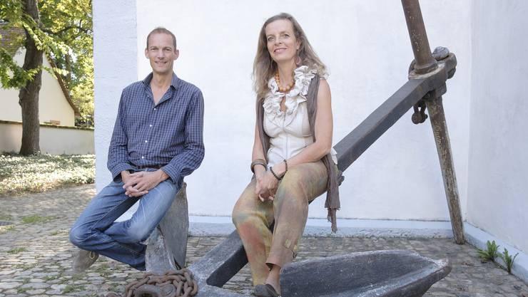 Alle zwei Wochen treffen sich die Klimabewegung-Basel-Initianten Heike Woock und Axel Schubert mit den Gruppenmitgliedern in den Räumlichkeiten der Dorfkirche Kleinhüningens. Sie arbeiten auf eine radikale Neukonzeption der Gesellschaft hin – ein Weitermachen wie bisher sei gleichbedeutend mit dem baldigen Ende der Menschheit, sagen sie.