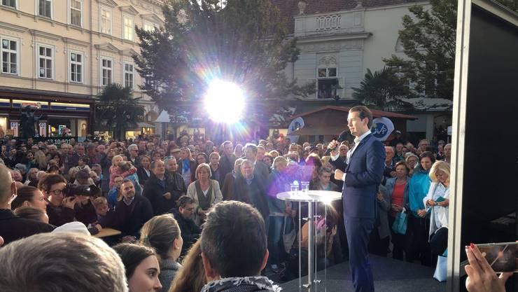 Kurz schwört in Baden bei Wien seine Anhänger auf den Endspurt ein.