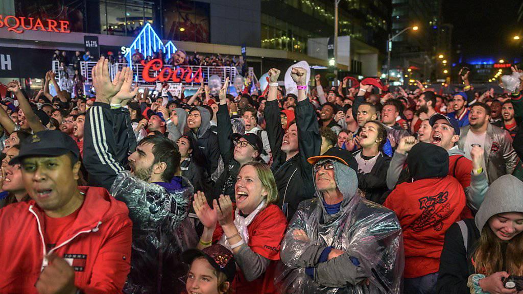 In Toronto wäre alles für eine grosse Meisterparty angerichtet gewesen. In der Nacht auf Freitag bekommen die Raptors erneut die Chance, auswärts ihren ersten NBA-Titel der Klubgeschichte zu holen