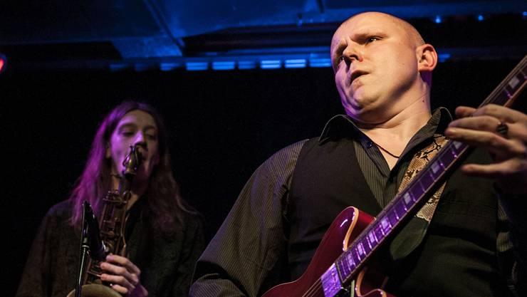 Sänger Janis Bukovskis (r.) und seine Bandkollegen spielen mit viel Power. Philippe Neidhart