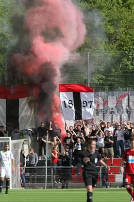 Pyros beim Spiel FC Baden gegen Xamax.