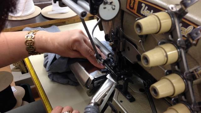 In der Calida-Testnäherei in Sursee – hier werden Unterwäsche-Prototypen hergestellt und getestet.