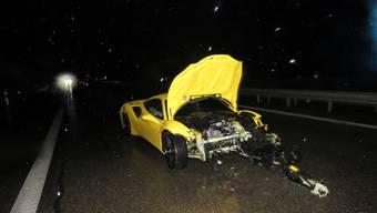 Der Ferrari kostet neu eine halbe Million Euro. Der Schaden beträgt 200 000 Euro.
