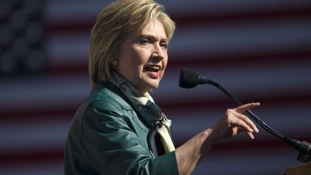 Hillary Clinton bei einer Wahlveranstaltung im Oktober 2015.  (AP Photo/Evan Vucci)