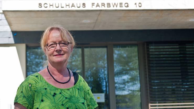 """Im neuen Schulhaus """"Farbweg"""" wird Therese Suter kein Schulzimmer mehr beziehen. Sie Lehrerin für Textile Werken geht in Pension."""
