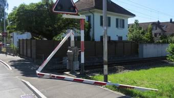 Wer hat in Reinach die Bahnschranke beschädigt?