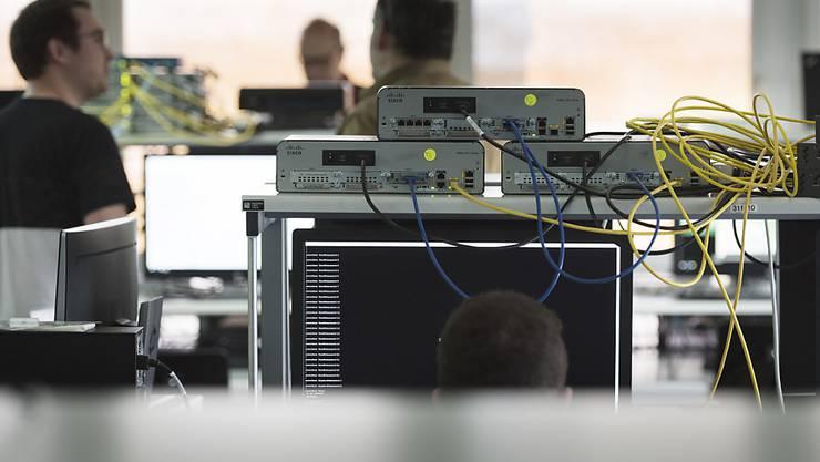 IT-Fachkräfte könnten bald mehr Lohn erhalten (Symbolbild).