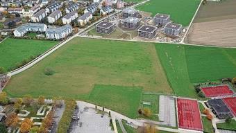 Rheinfelden möchte die Mittelschule beim Engerfeld ansiedeln. Frick geht mit einem Areal bei der Oberstufenanlage ins Rennen. In Stein käme die Schule neben dem Sportcenter zu stehen.