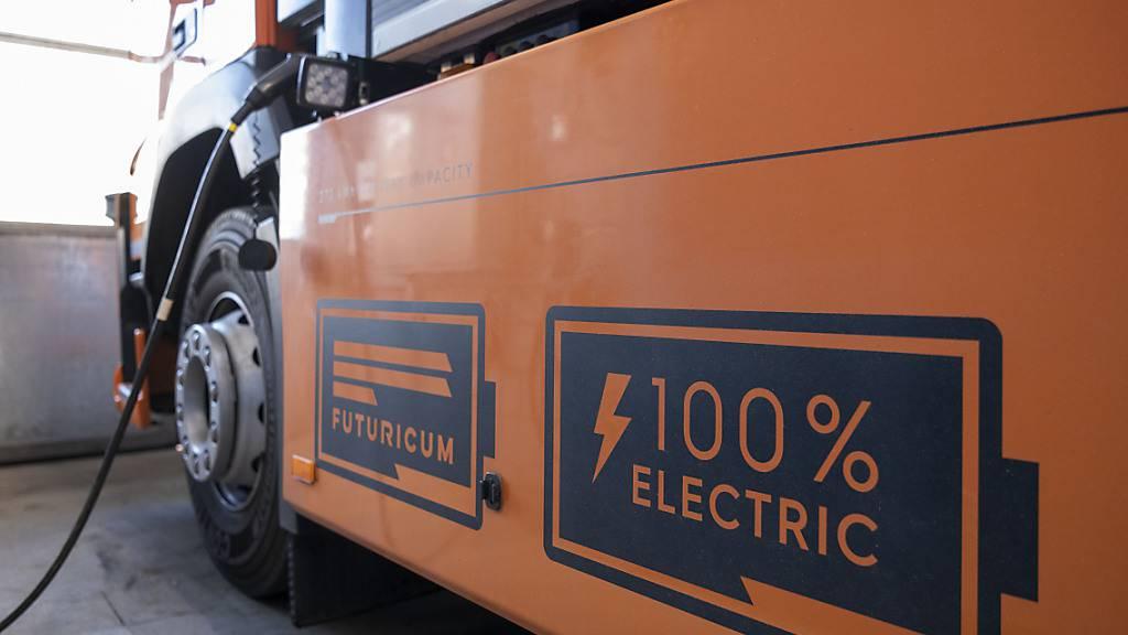 Daimler, Traton und Volvo bauen E-Laster-Ladenetz auf