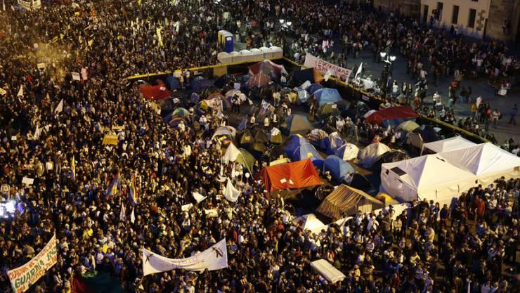 An der Friedenskundgebung am Mittwoch (Ortszeit) auf dem Bolívar-Platz in Bogotá nahmen bis zu 30'000 Menschen teil.