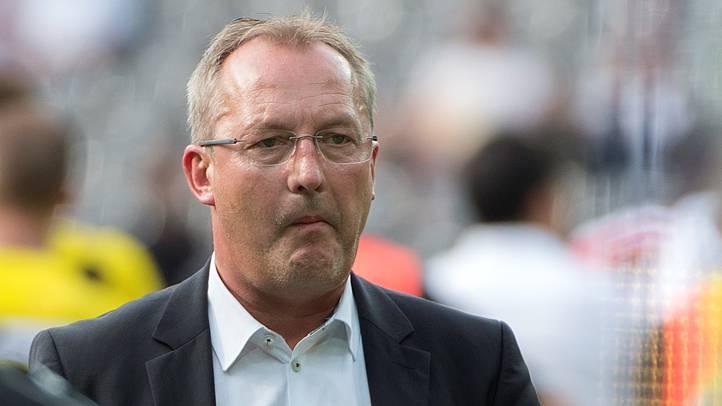 Sportchef mit Sorgenfalten: Fredy Bickel muss in Wien einige Probleme lösen.