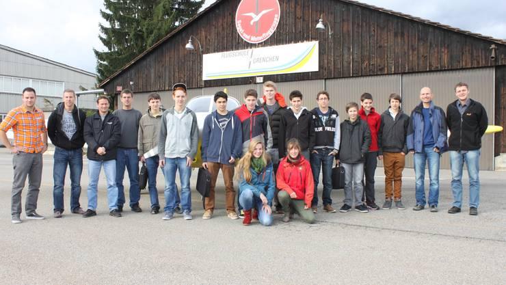 Eine ganze Woche verbrachte eine Gruppe Burgdorfer Gymnasiasten auf dem Flughafen Grenchen, um alle Aspekte der Fliegerei in Theorie und Praxis kennenzulernen.