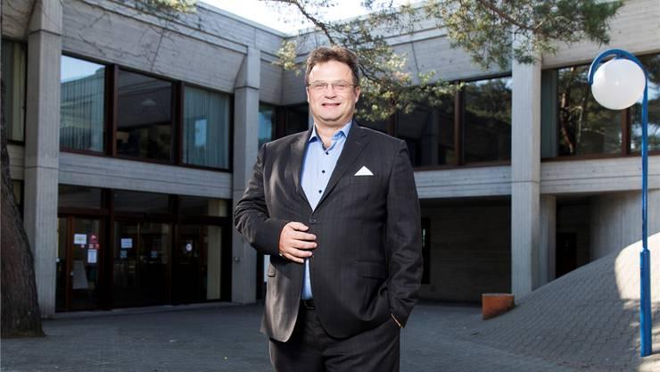Michael Merkli am Tag nach der Abwahl. Neben seinem Beruf als Finanzplanungsexperte ist er als Schwimmlehrer tätig – unter anderem im «Tägi».