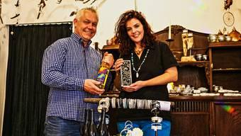 Markus Obrist und Jolanda Amsler Bürge freuen sich auf die heutige Ladeneröffnung.