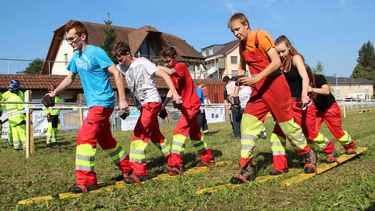 Die Jugendfeuerwehr Zurzibiet arbeitet präzise und gewinnt die Meisterschaft.
