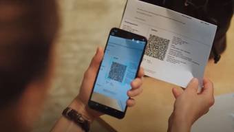 Der QR-Code lässt sich mit der Kamera des Smartphones einscannen.
