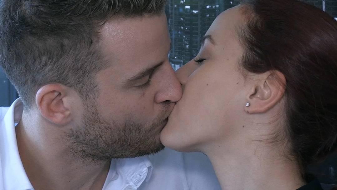 Der Bachelor Janosch Nietlispach und seine Auserwählte Kristina Radovic sind sie im Beziehungs-Alltag angekommen