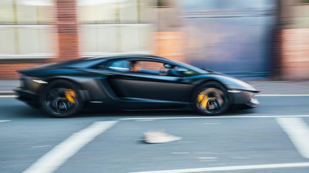 Ein 21-Jähriger war «high» in einem gemieteten Lamborghini in Degersheim unterwegs