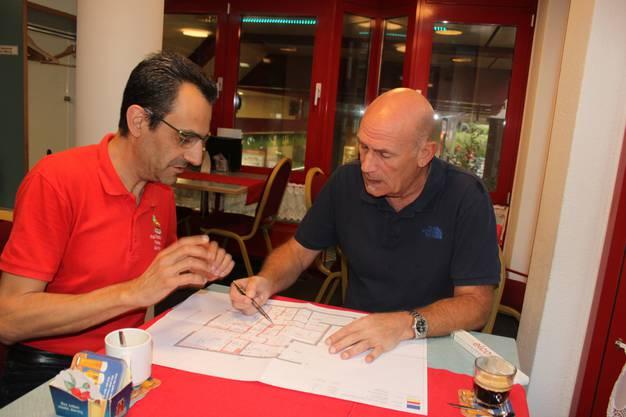 Besprechung mit Architekt Franco Berrafato