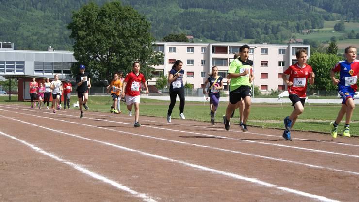 am Sporttag der Schulhäuser Eichholz und Kastels