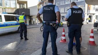 Durch konsequente Grenzkontrollen will die SVP dereinst verhindern, dass das Virus erneut in die Schweiz eingeschleppt wird.