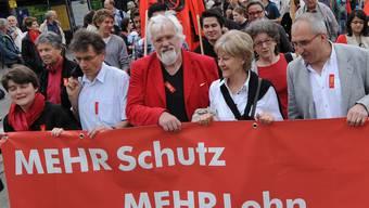 Urs Müller (Mitte) an der 1.-Mai-Kundgebung in Liestal