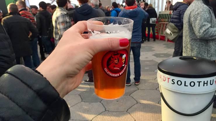 Hoch das Glas! An den Solothurner Biertagen gibts viele feine Biere, die probiert werden wollen. Gefahr, eines zu viel zu probieren: sehr gross.