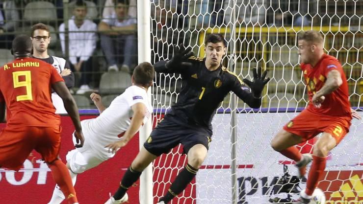 Nach diesem Joker-Tor von Mario Gavranovic zum 1:1 durfte sich Schweiz auf einen Punktgewinn hoffen