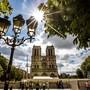 Der Vorplatz der Notre-Dame in Paris bleibt nach dem Grossbrand wegen der Bleibelastung weiter gesperrt. (Archivbild)