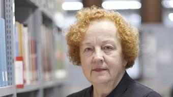 Lebt für ihre Arbeit: Barbara Schellewald in der Bibliothek des Kunstmuseums.