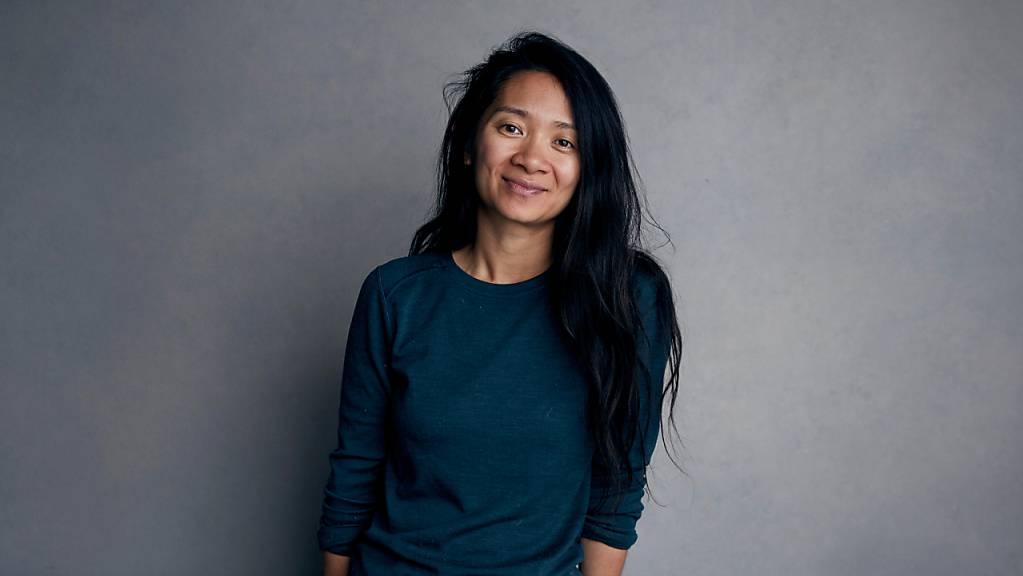ARCHIV - Regisseurin Chloé Zhao ist mit ihrem Drama «Nomadland» auf Erfolgskurs. Foto: Taylor Jewell/Invision/AP/dpa