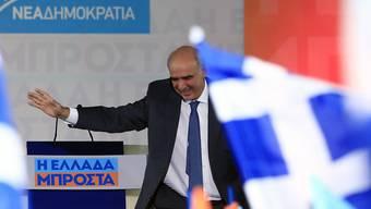 Kopf an Kopf mit seinem Syriza-Rivalen Alexis Tsipras: Nea-Dimokratia-Chef Evangelos Meimarakis vor Anhängern auf dem Athener Omonia-Platz.