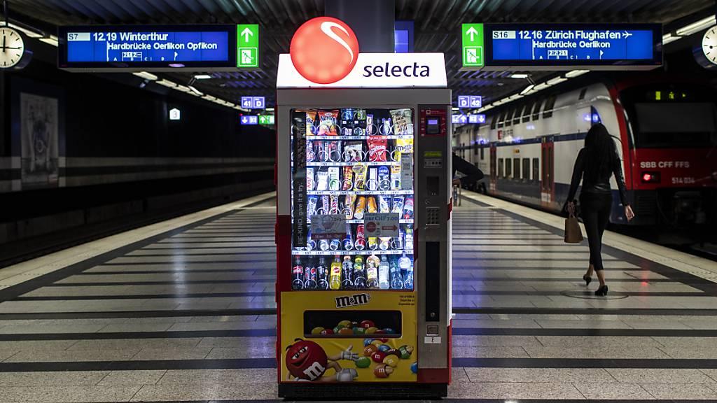 Der krisengeschüttelte Snackautomaten-Betreiber Selecta erhält frische Mittel. Der US-Finanzinvestor KKR schiesst 125 Millionen Euro an zusätzlichem Kapital in die Firma ein. (Archivbild)