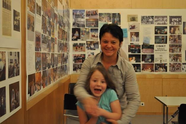 An die öffentliche Ausstellung kamen viele Baden und Vereinsmitglieder auch mit Kindern