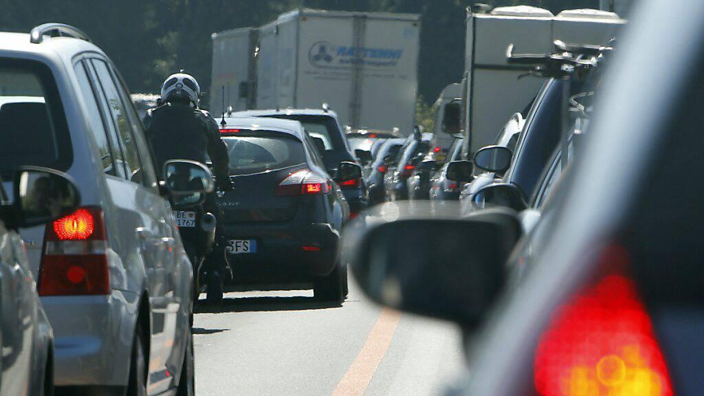 Der Anteil der Autopendler zwischen den Luzerner Gemeinden hat sich in den letzten zehn Jahren kaum verändert. (Symbolbild)