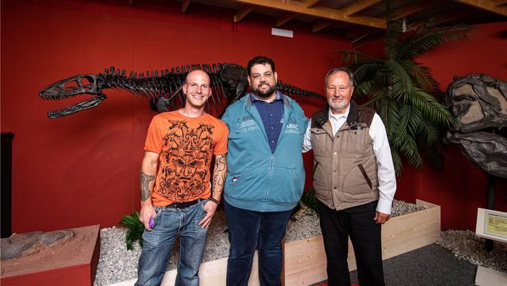 Museumsdirektor Stefan Frieden (mitte) mit seinem Stellvertreter Jan Müller (links) und Taufpate Hans-Jakob Siber.