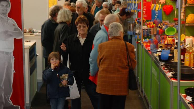 Bereits am Eröffnungstag weckte die AMA 2009 auf dem Areal der Kunsteisbahn im Aarauer Brügglifeld grosses Publikumsinteresse.