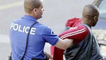Ein Drogenhändler aus Senegal muss die Schweiz verlassen (Symbolbild)
