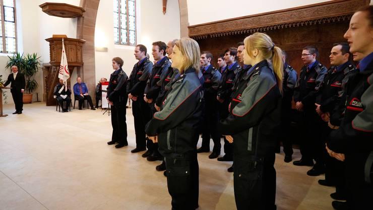 Neu ausgebildete Polizisten und Polizistinnen können in Baselland vorerst nicht fest angestellt werden. (Symbolbild/Archiv)