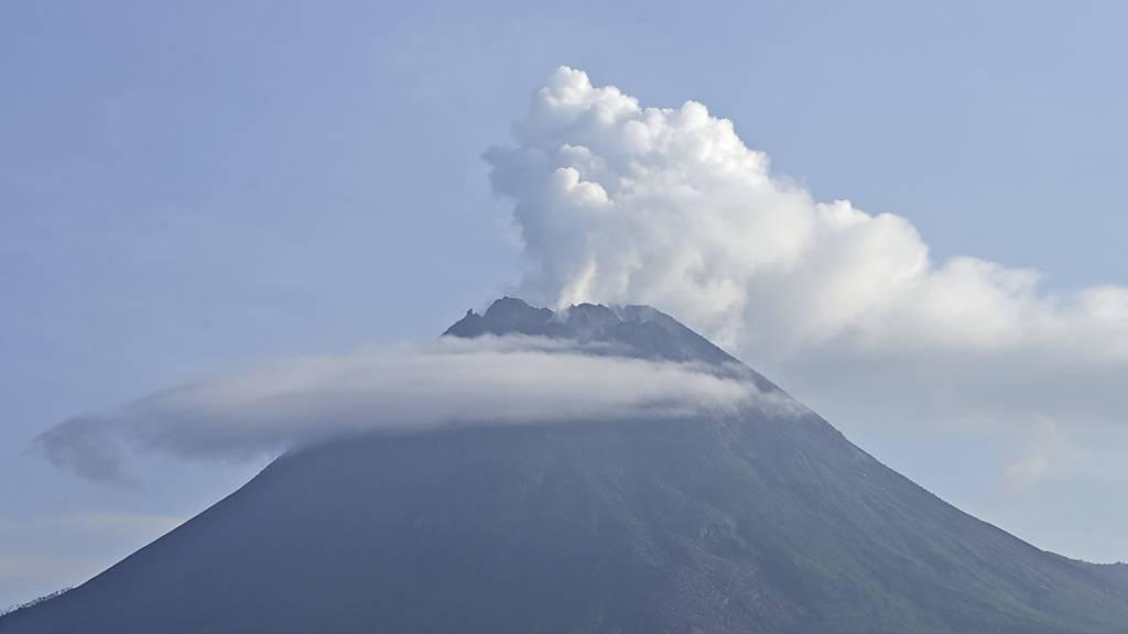 Erneut glühende Lawine am Vulkan Merapi auf Java