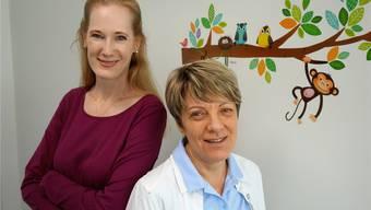 Christiane Dhingra (links) und Maira Snikere sind für das Wohl der kleinen Patientinnen und Patienten besorgt. Eddy Schambron
