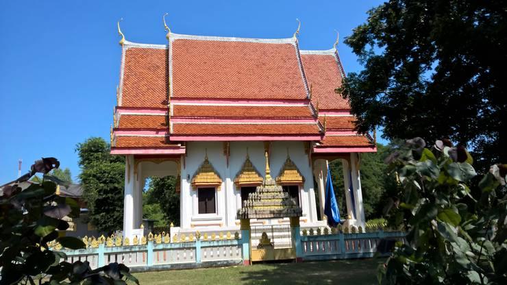 Der prunkvolle Tempel von der Seite