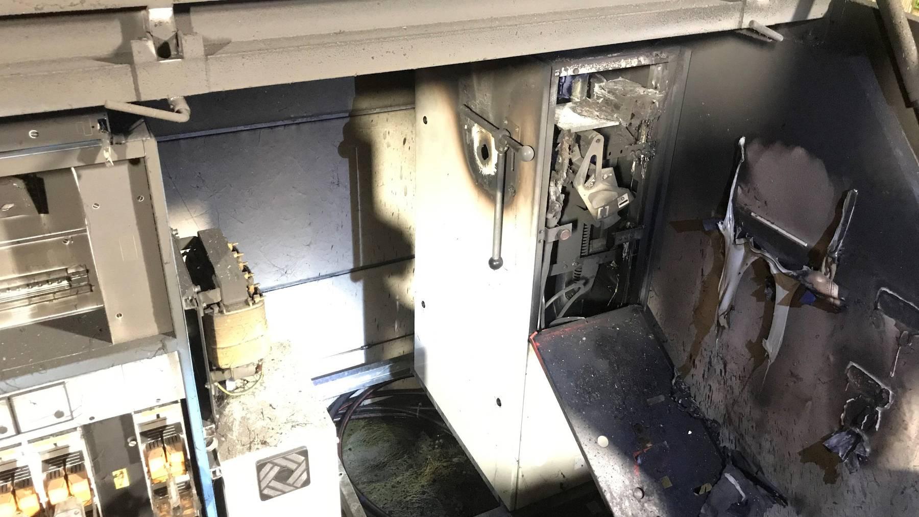 Durch den Brand fiel der Strom für mehrere Stunden aus.