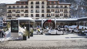 Die Schweizer Hoteliers haben im vergangenen Winter etwas mehr Gäste empfangen können als im Jahr davor. (Symbolbild)