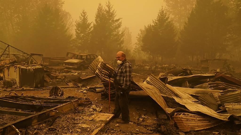 Zahl der Toten bei Waldbränden in den USA steigt weiter