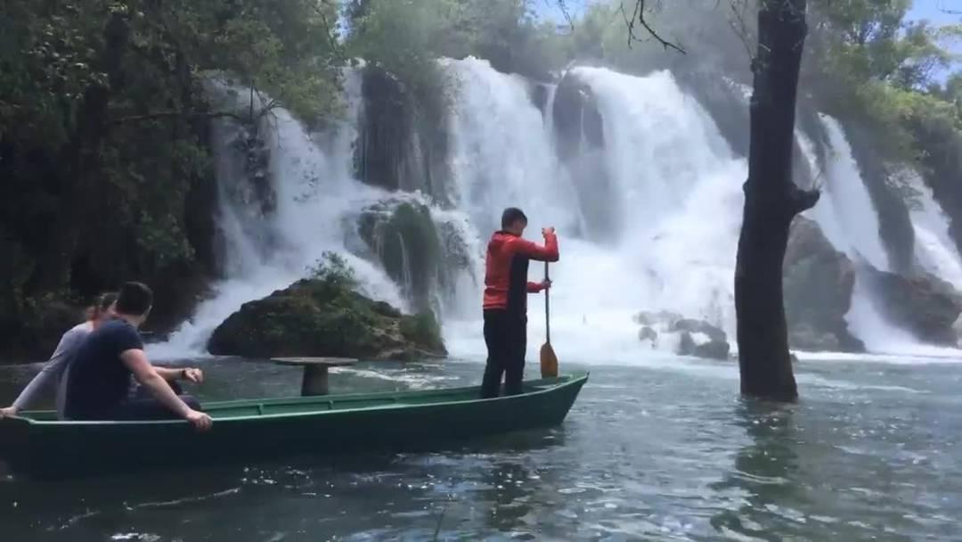 Erleben Sie die Kravica-Wasserfälle in Bosnien