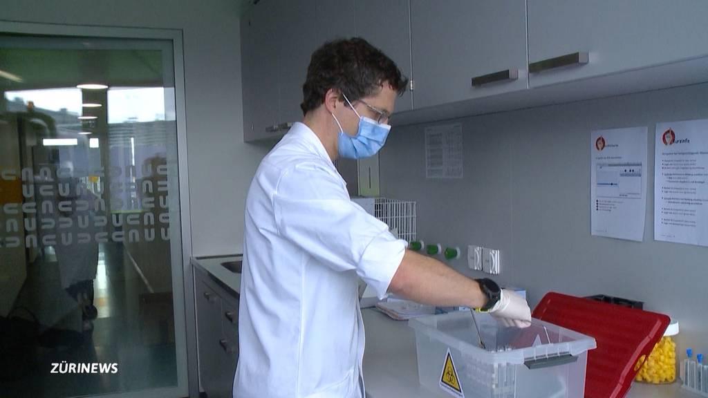 Über 1'000 Neuninfektionen: Es droht eine Knappheit an Corona-Tests